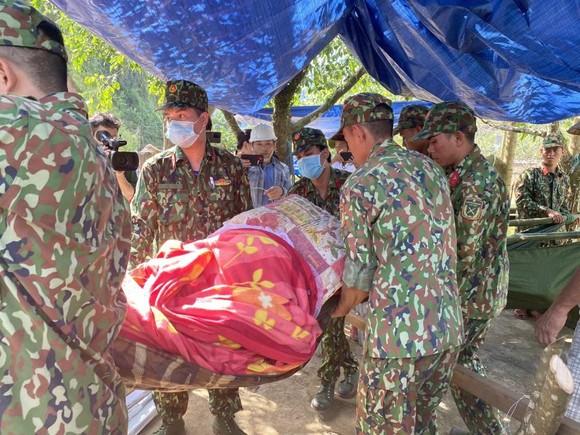Thảm họa sạt lở vùi lấp người ở Trà Leng, Trà Vân: Tìm được 14 thi thể, 14 người chưa tìm được ảnh 15
