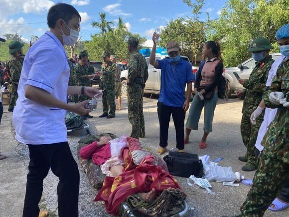 Thảm họa sạt lở vùi lấp người ở Trà Leng, Trà Vân: Tìm được 14 thi thể, 14 người chưa tìm được ảnh 16