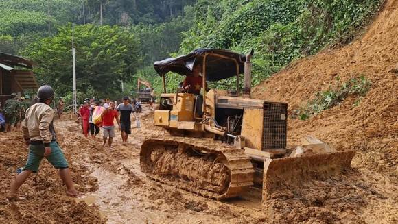 Thảm họa sạt lở vùi lấp người ở Trà Leng, Trà Vân: Tìm được 14 thi thể, 14 người chưa tìm được ảnh 19