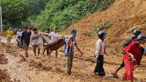 Thảm họa sạt lở vùi lấp người ở Trà Leng, Trà Vân: Tìm được 14 thi thể, 14 người chưa tìm được ảnh 20