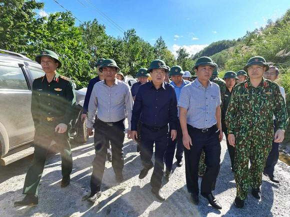 Thảm họa sạt lở vùi lấp người ở Trà Leng, Trà Vân: Tìm được 14 thi thể, 14 người chưa tìm được ảnh 32