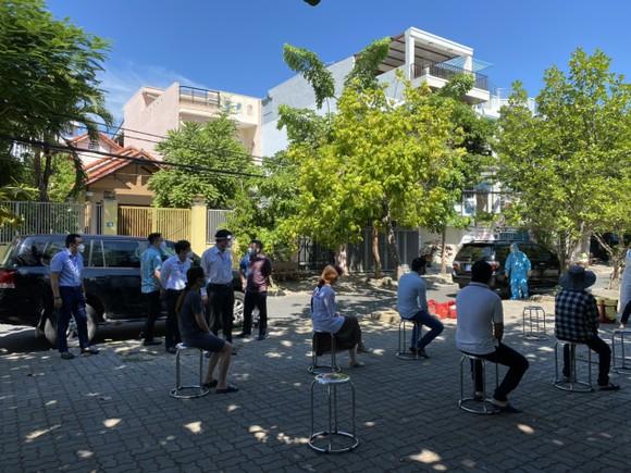Chủ tịch UBND TP Đà Nẵng: Lòng dân có an thì mới đồng hành cùng chính quyền trong cuộc chiến chống dịch ảnh 3