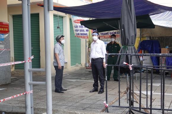 Chủ tịch UBND TP Đà Nẵng: Lòng dân có an thì mới đồng hành cùng chính quyền trong cuộc chiến chống dịch ảnh 1