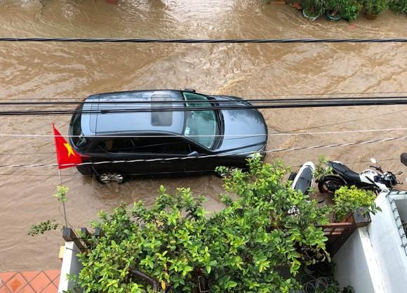 Đà Lạt mưa dữ dội kèm mưa đá, nhiều nơi ngập nặng ảnh 17