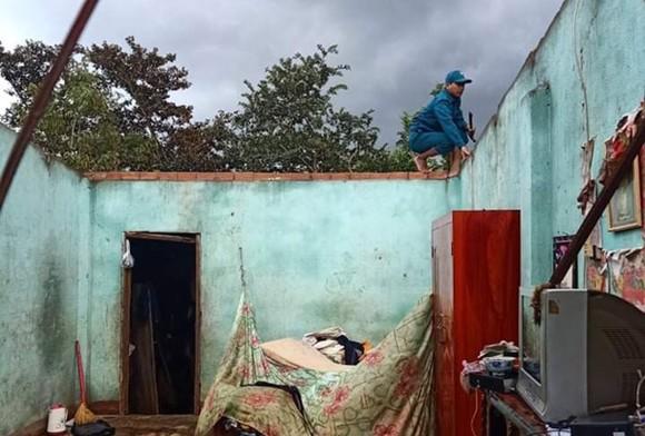 38 căn nhà ở Lâm Đồng tốc mái do lốc xoáy ảnh 1