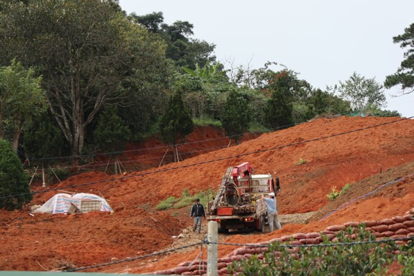 Hàng chục căn nhà xây dựng trái phép giữa đất rừng ở Lâm Đồng ảnh 7