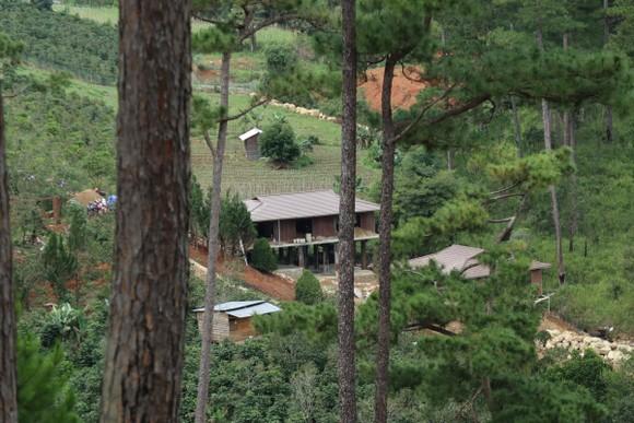 Hàng chục căn nhà xây dựng trái phép giữa đất rừng ở Lâm Đồng ảnh 5