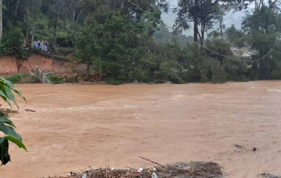 Tìm thấy thi thể 1 nạn nhân mất tích khi khám phá Vườn quốc gia Bidoup - Núi Bà ảnh 1