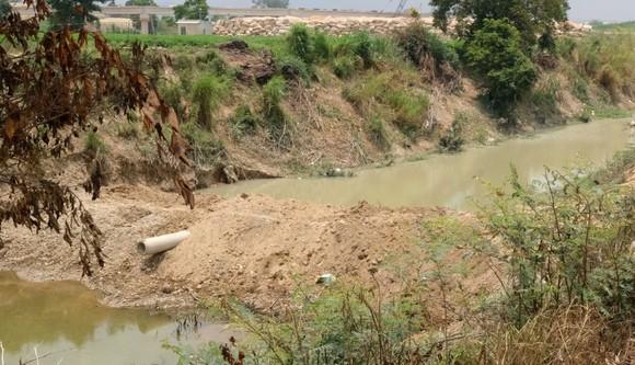 Đình chỉ công ty khai thác cát đắp đập, ngăn sông gây ô nhiễm trên sông Đa Nhim ảnh 2