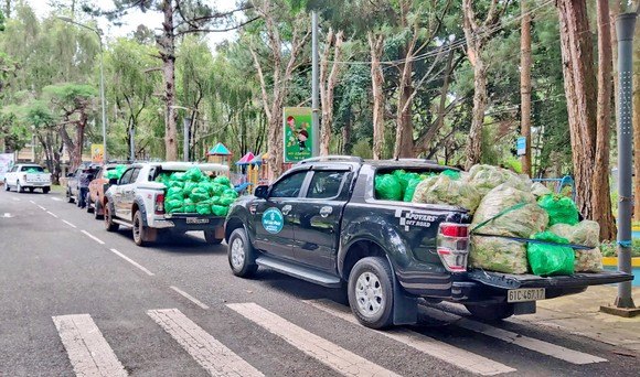 Thêm nhiều xe rau, củ từ Lâm Đồng hỗ trợ vùng dịch ở TPHCM và Phú Yên ảnh 8