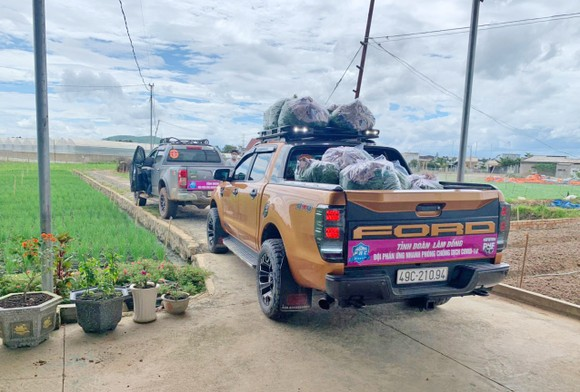 Thêm nhiều xe rau, củ từ Lâm Đồng hỗ trợ vùng dịch ở TPHCM và Phú Yên ảnh 7