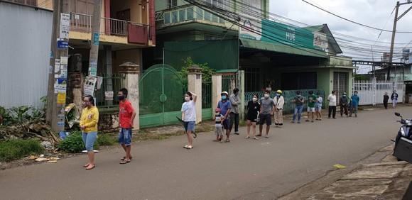 Đình chỉ công tác chủ tịch UBND phường không thực hiện đúng quy định phòng chống dịch  ảnh 1