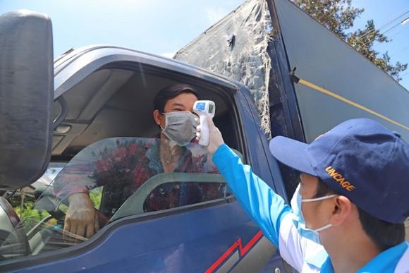 Lâm Đồng: Tài xế, phụ xe chưa tiêm vaccine không được vận chuyển hàng hoá liên tỉnh ảnh 1