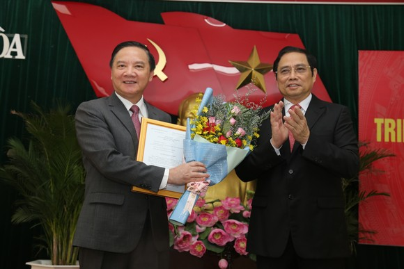 Khánh Hòa chính thức có Bí thư Tỉnh ủy mới ảnh 1