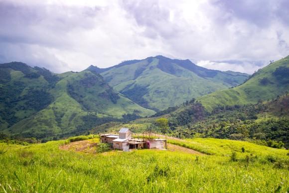 Đã tiếp cận được 36 du khách TPHCM mất liên lạc khi leo núi tại Khánh Hòa ảnh 1
