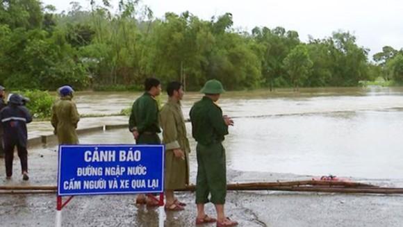Sơ tán khẩn cấp gần 400.000 người dân tránh bão Con voi ảnh 5