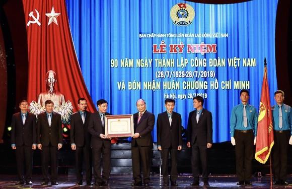 Thủ tướng trao Huân chương Hồ Chí Minh cho Công đoàn Việt Nam ảnh 4