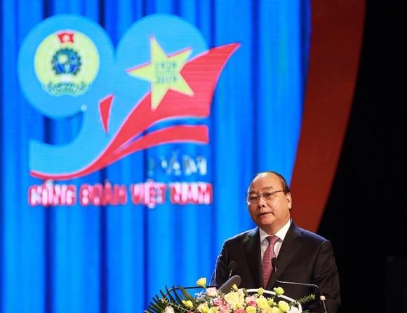 Thủ tướng trao Huân chương Hồ Chí Minh cho Công đoàn Việt Nam ảnh 1