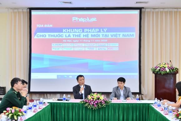 Băn khoăn 'quản' thuốc lá thế hệ mới ở Việt Nam ảnh 1