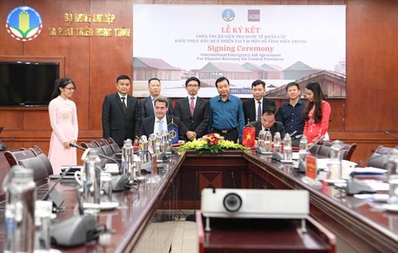 ADB cho Việt Nam vay 2,5 triệu USD khắc phục thiên tai ảnh 1