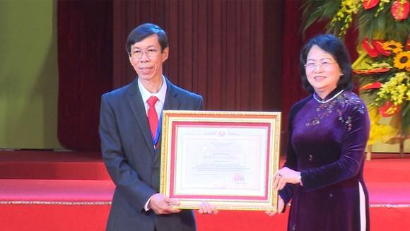 Điện lực Việt Nam đón nhận danh hiệu Anh hùng Lao động ảnh 3