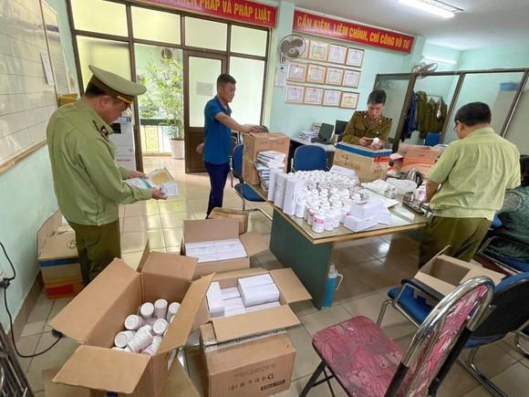 Phát hiện gần 300.000 sản phẩm thuốc nghi nhập lậu qua cảng hàng không Nội Bài ảnh 2