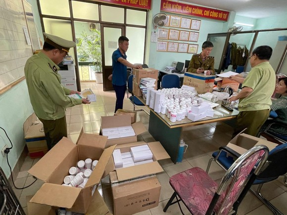 Phát hiện gần 300.000 sản phẩm thuốc nghi nhập lậu qua cảng hàng không Nội Bài ảnh 5