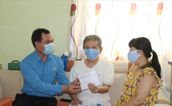 Công đoàn Việt Nam kêu gọi khẩn cấp ủng hộ công nhân lao động ở phía Nam ảnh 1