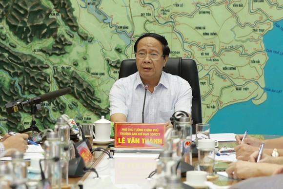 Phó Thủ tướng Lê Văn Thành: 'Không để thiệt hại kép, hết chống bão lại lo chống dịch' ảnh 5