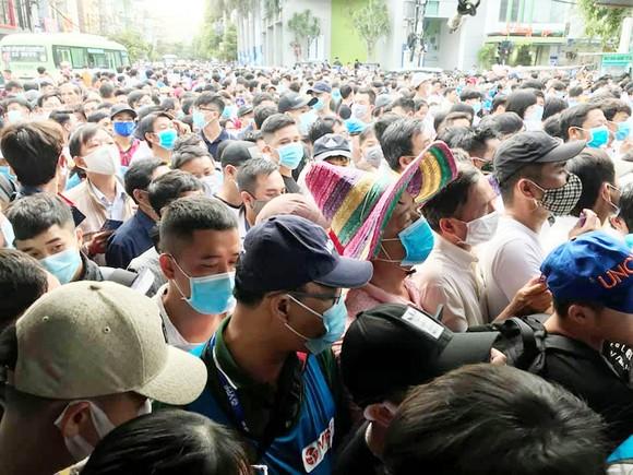 Vì sao sân Qui Nhơn, Thiên Trường đông khán giả? ảnh 1