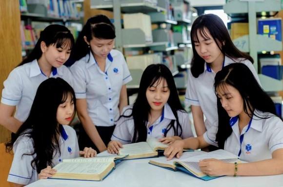 Trường ĐH Công nghiệp Thực phẩm TPHCM khánh thành thư viện hơn 20 tỷ đồng ảnh 1