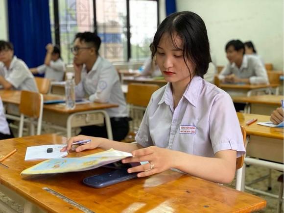 Bộ GD-ĐT công bố đáp án 5 môn thi tốt nghiệp THPT ảnh 1
