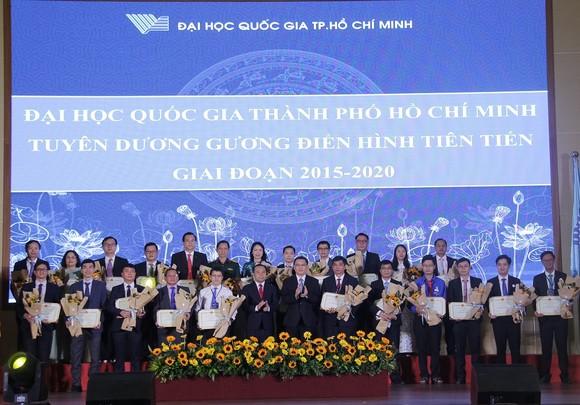 ĐH Quốc gia TPHCM đón nhận danh hiệu Anh hùng Lao động thời kỳ đổi mới ảnh 2