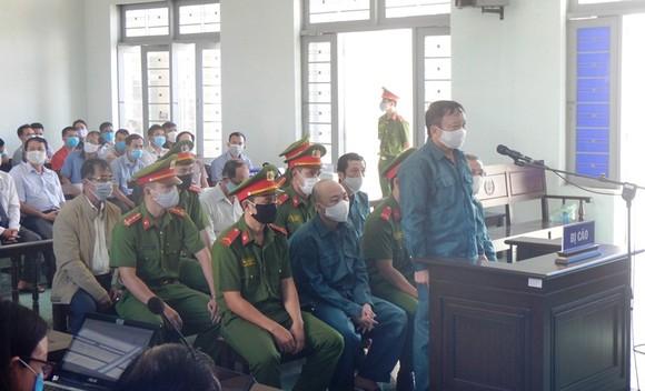 Xét xử 6 bị cáo nguyên là Chủ tịch, Phó Chủ tịch và lãnh đạo các phòng chuyên môn UBND TP Phan Thiết ảnh 3