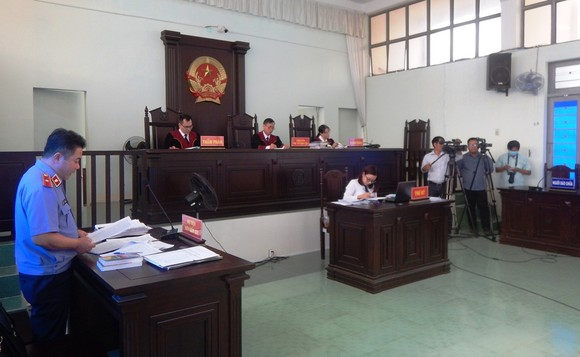 Y án sơ thẩm đối với nguyên Chủ tịch, Phó Chủ tịch UBND TP Phan Thiết do sai phạm trong quản lý đất đai ảnh 1