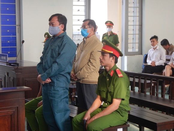 Y án sơ thẩm đối với nguyên Chủ tịch, Phó Chủ tịch UBND TP Phan Thiết do sai phạm trong quản lý đất đai ảnh 2