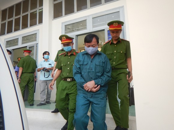 Y án sơ thẩm đối với nguyên Chủ tịch, Phó Chủ tịch UBND TP Phan Thiết do sai phạm trong quản lý đất đai ảnh 3