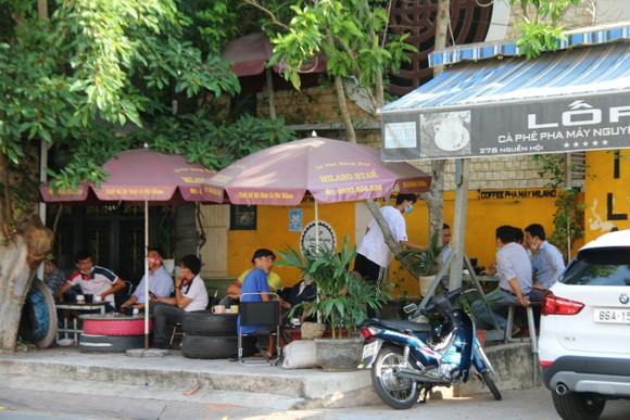 Bình Thuận yêu cầu đình chỉ hoạt động các quán cà phê vi phạm quy định phòng chống dịch ảnh 1