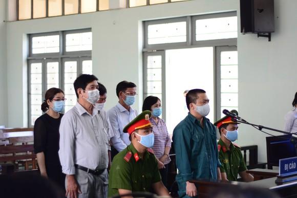 6 bị cáo nguyên là lãnh đạo, cán bộ Trung tâm Y tế TP Phan Thiết hầu tòa ảnh 1
