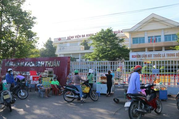 Vụ nhiều người tự ý rời Bệnh viện Đa khoa tỉnh Bình Thuận khi đang phong tỏa: Tất cả đủ điều kiện ra viện ảnh 2