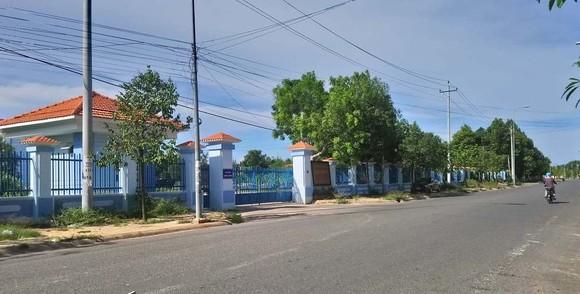 Yêu cầu Hiệu trưởng Trường Chính trị tỉnh Bình Thuận giải trình việc mở lớp đông người trong mùa dịch ảnh 1