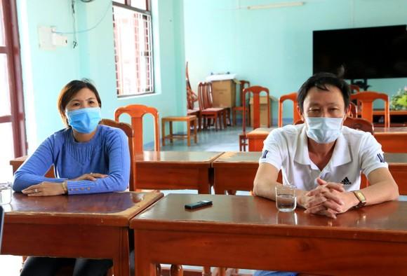 4 ngư dân đi bộ từ Ninh Thuận về Phú Yên đã được kiểm tra sức khỏe, cách ly ảnh 1