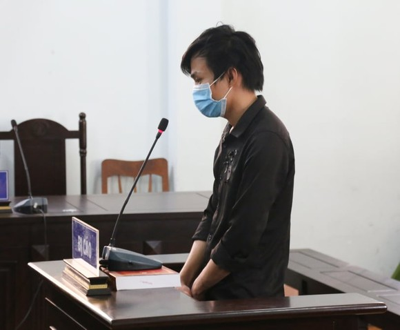 Đối tượng hành hung công an trực chốt lãnh án tù giam ảnh 3