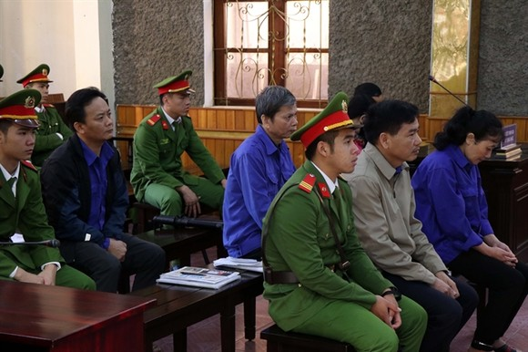 Defendants at the court hearing. (Photo: VNA/VNS)