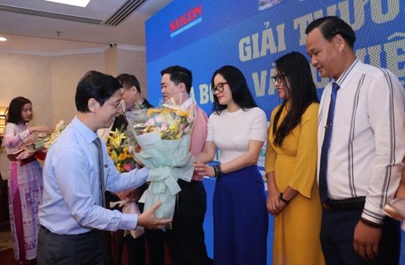 Họp báo công bố kế hoạch tổ chức Giải thưởng Quả bóng Vàng Việt Nam 2020 ảnh 16