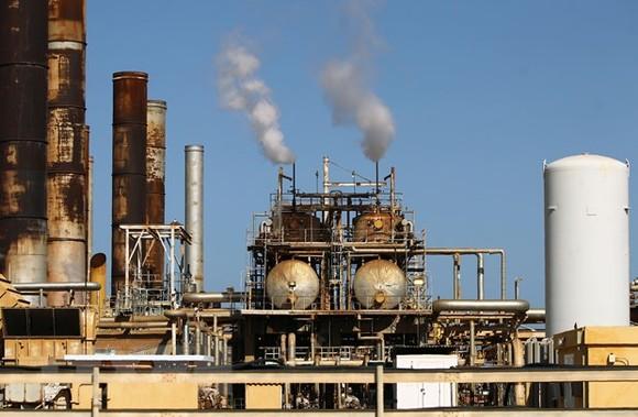 Saudi Arabia muốn OPEC+ tiếp tục giảm sản lượng  ảnh 1