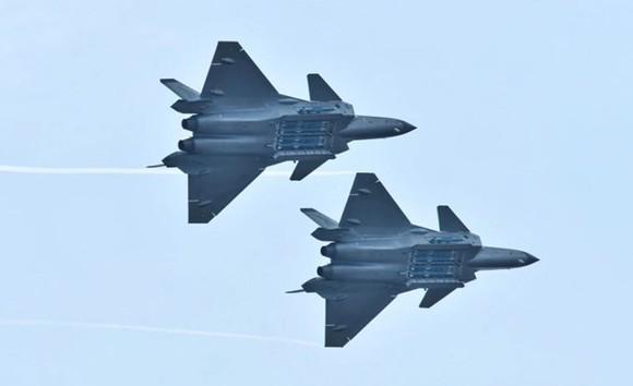 Máy bay chiến đấu tàng hình J-20 của Trung Quốc. Ảnh: Reuters