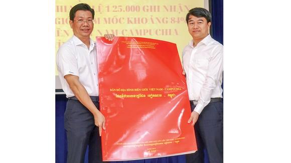 Tập huấn sử dụng bản đồ địa hình biên giới Việt Nam - Campuchia ảnh 1