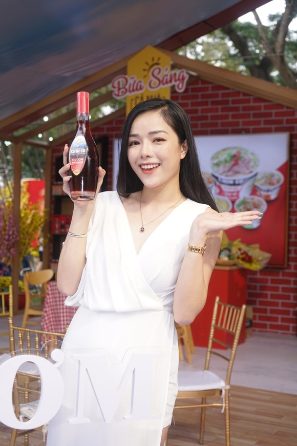Đến Lễ hội Tết Việt, thưởng thức nước mắm CHIN-SU Cá Cơm Biển Đông ảnh 2