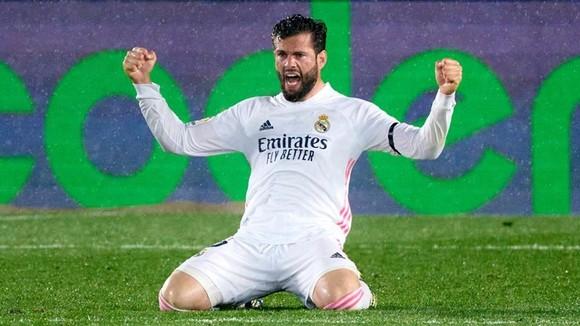Atletico và Real cùng thắng, danh hiệu chờ đến vòng cuối ảnh 1